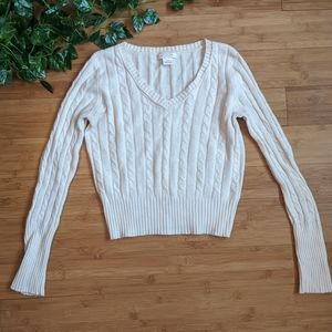 3 for $19 🔥Cream cropped cable knit sweater